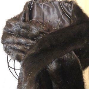 SV faux fur stole